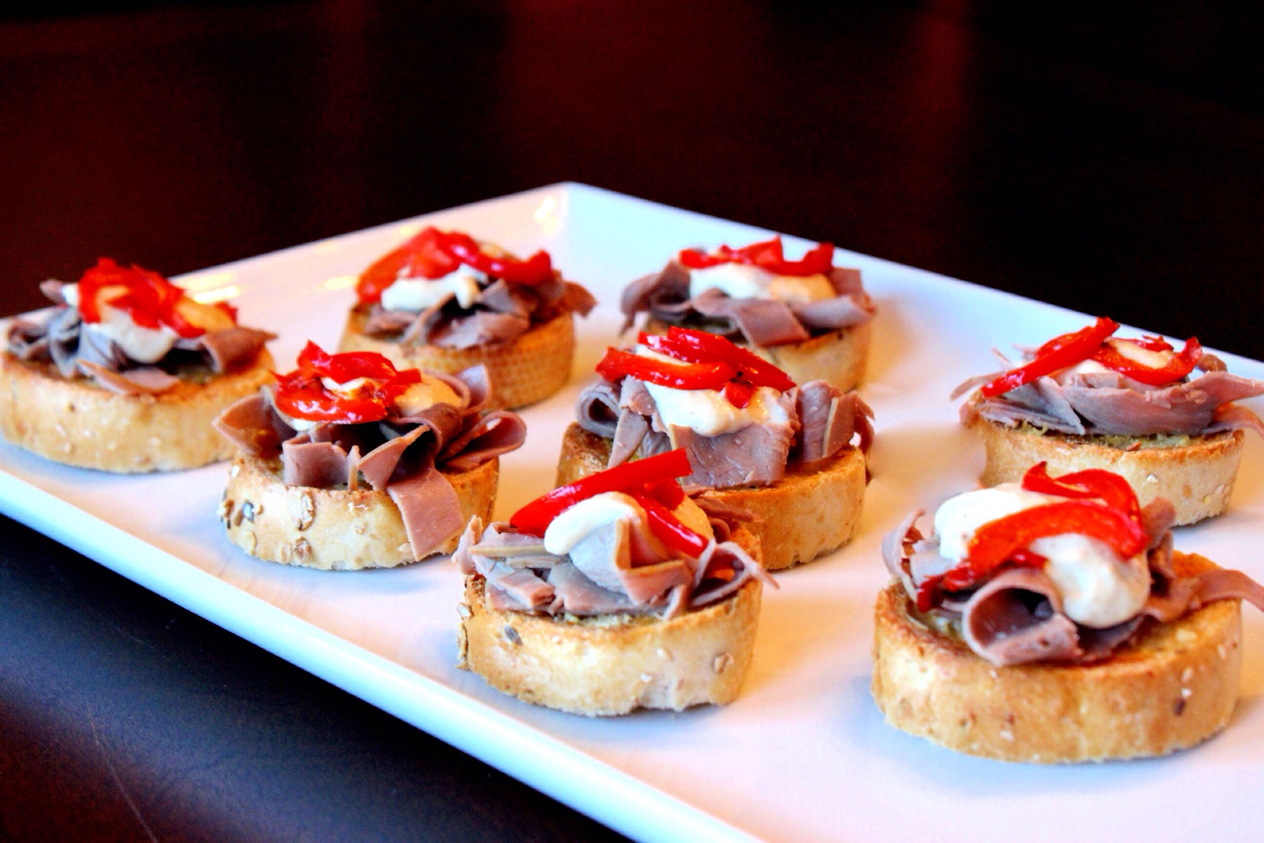 Roast beef canap s easy peasy eats for Beef horseradish canape