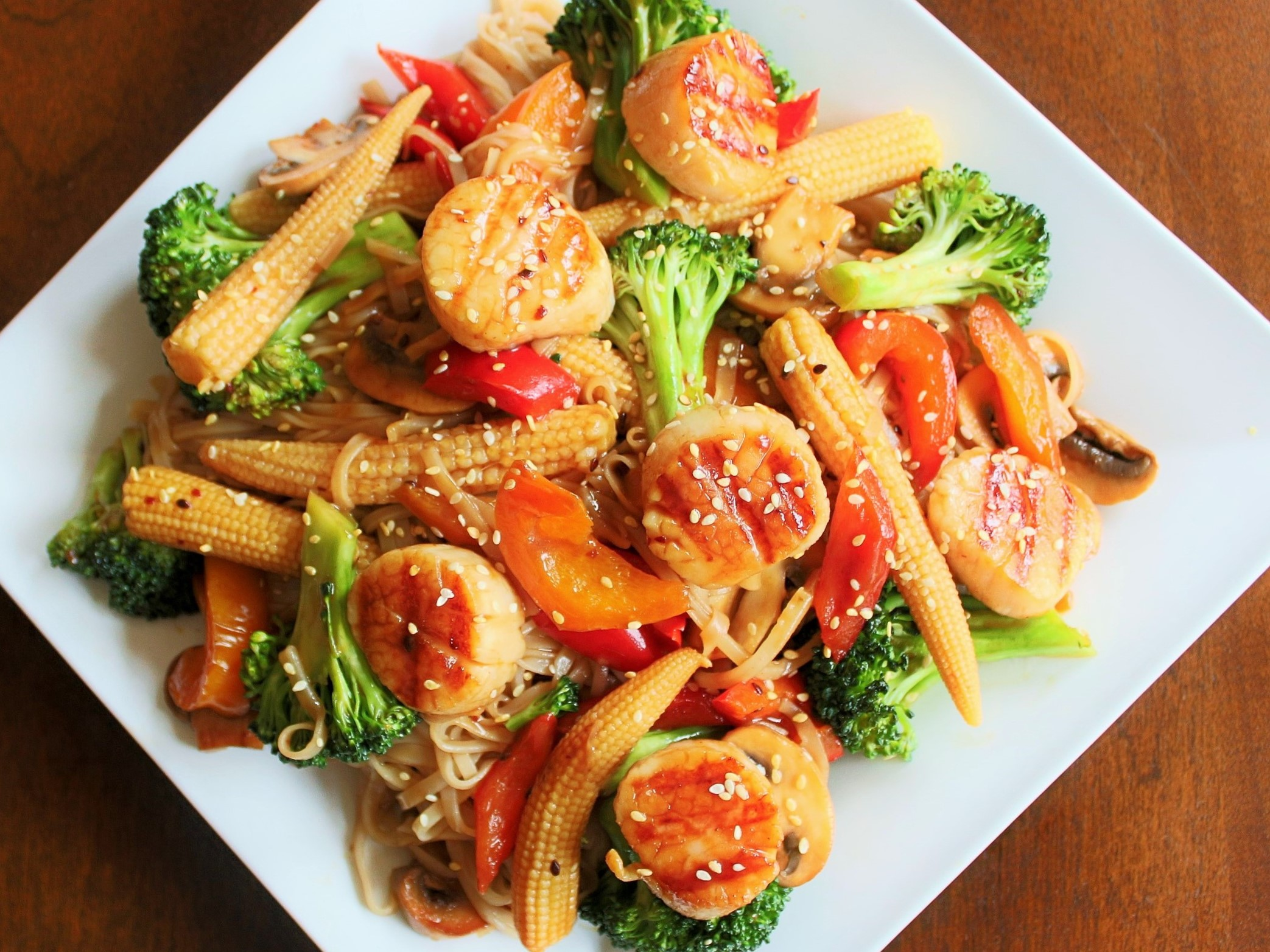 Grilled Scallops and Veggies in a Honey Ginger Sauce