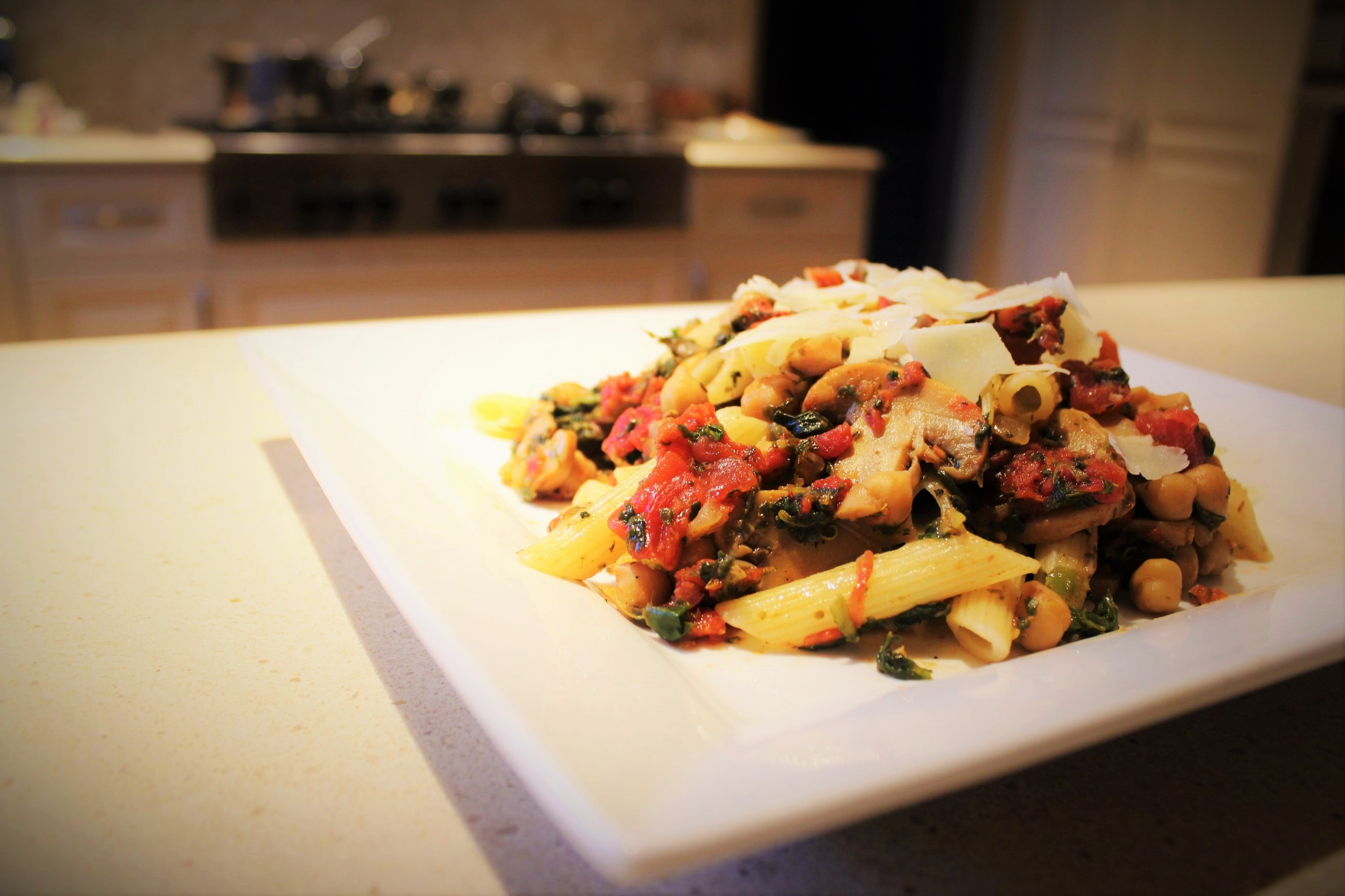 Penne with Chickpeas, Mushrooms, Spinach and Tomatoes