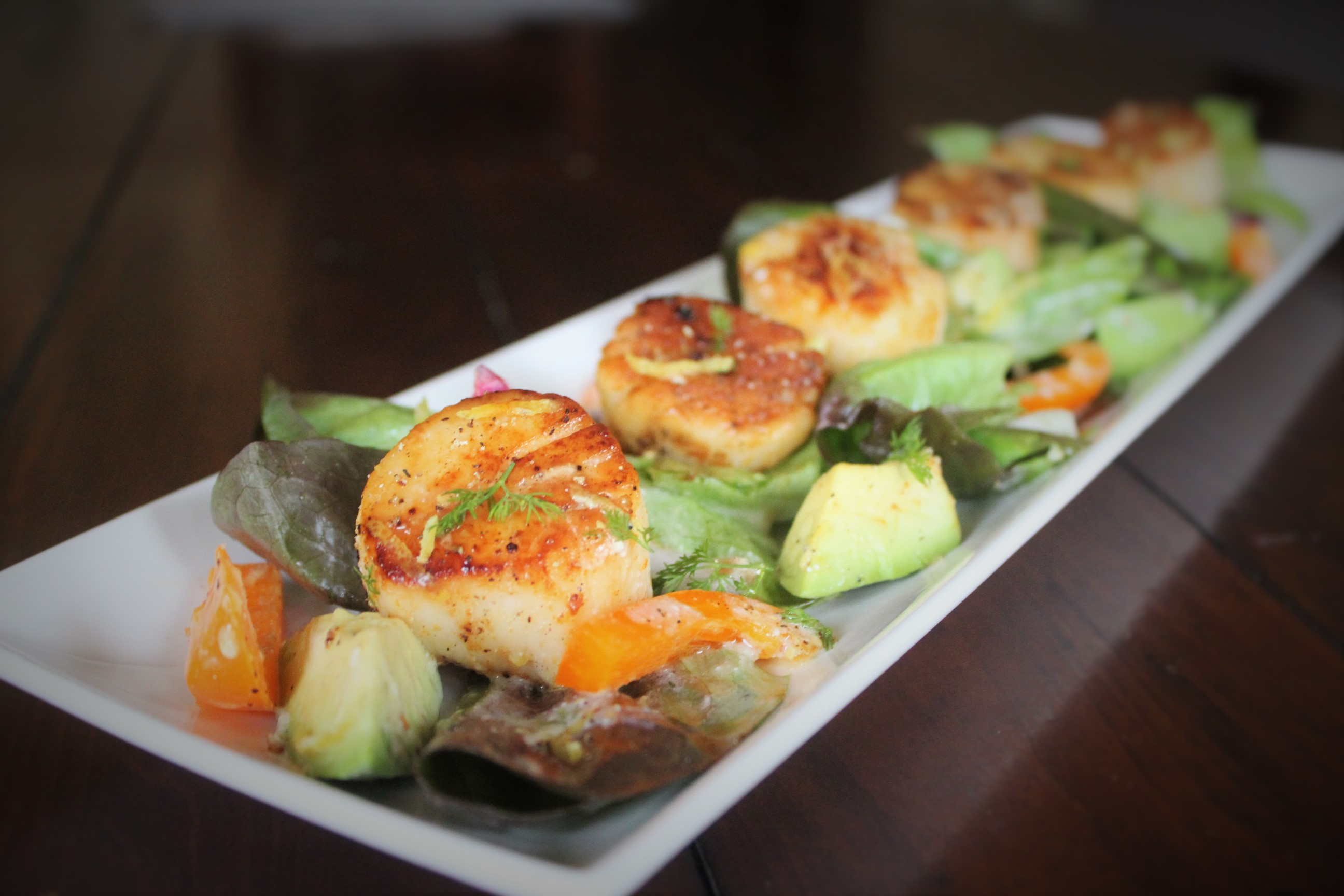 Spicy Scallop Salad with Creamy Lemon Dressing